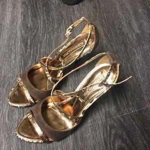 bcbgmaxazria heels size:6.5